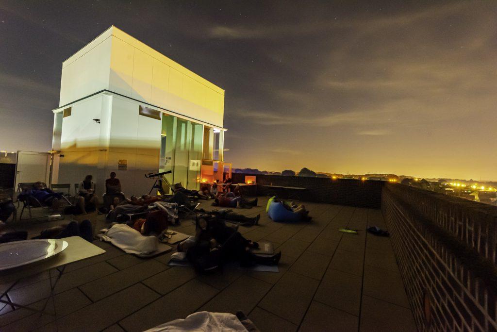Plat op het dak